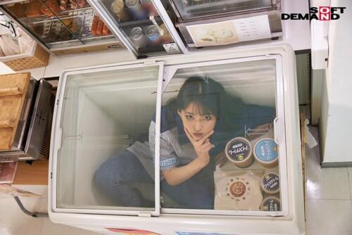 アイスクリームの冷凍庫に入るバカッター