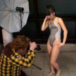由愛可奈が競泳水着でイメージビデオ撮影